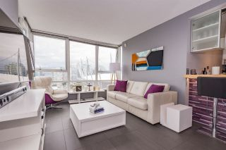 """Photo 2: 2508 928 BEATTY Street in Vancouver: Yaletown Condo for sale in """"The Max"""" (Vancouver West)  : MLS®# R2297790"""