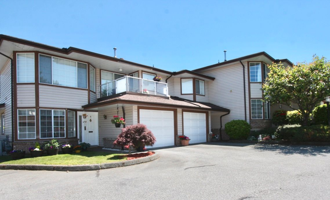Main Photo: 10 32659 George Ferguson Way in Abbotsford: Central Abbotsford Townhouse for sale