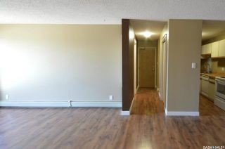 Photo 3: 302 305 Kingsmere Boulevard in Saskatoon: Lakeview SA Residential for sale : MLS®# SK841489