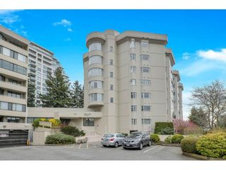"Photo 2: 406 1442 FOSTER Street: White Rock Condo for sale in ""White Rock Square II"" (South Surrey White Rock)  : MLS®# R2553476"