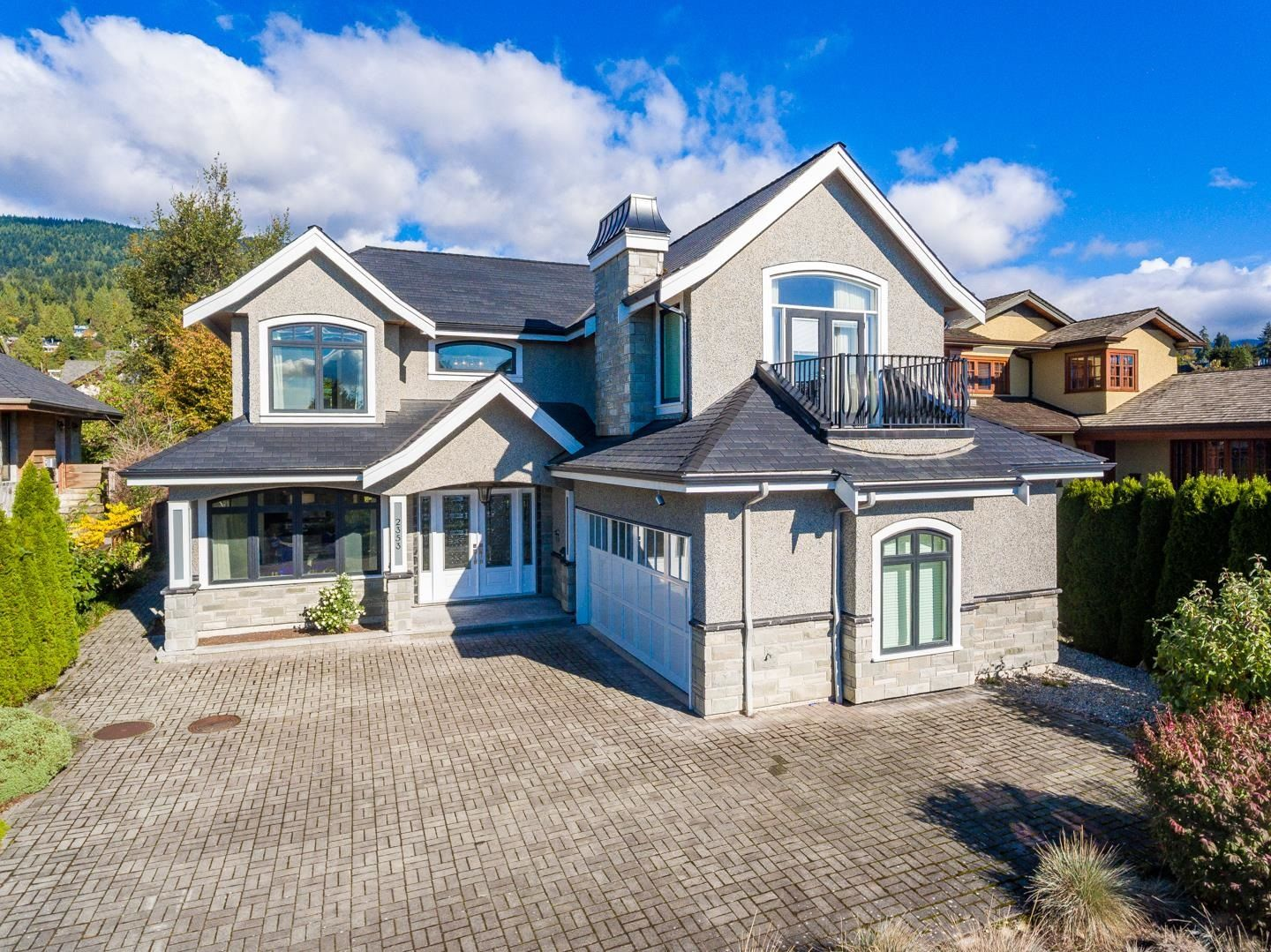 Main Photo: 2353 JEFFERSON Avenue in West Vancouver: Dundarave House for sale : MLS®# R2625044
