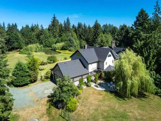 Photo 2: 6620 Rennie Rd in : CV Courtenay North House for sale (Comox Valley)  : MLS®# 851746