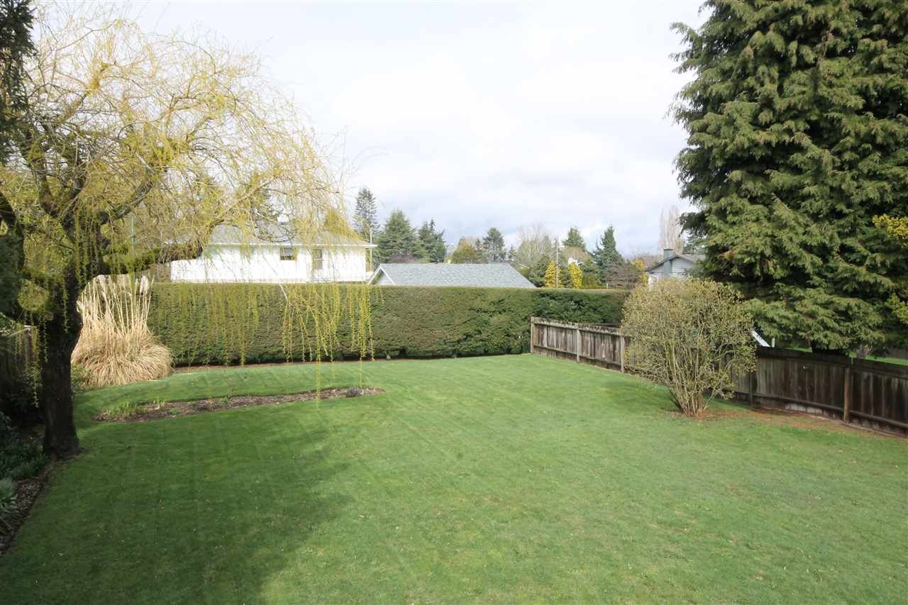 """Photo 12: Photos: 15681 GOGGS Avenue: White Rock House for sale in """"White Rock"""" (South Surrey White Rock)  : MLS®# R2151652"""