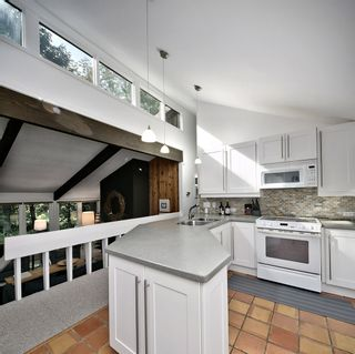 Photo 3: : House for sale : MLS®# 40025464