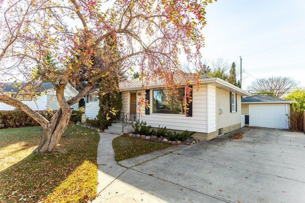 Main Photo: 59 GRANDORA Crescent: St. Albert House for sale : MLS®# E4266435