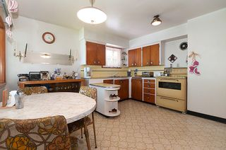 Photo 7: 4236 Pender Street in Burnaby: Home for sale : MLS®# V891144