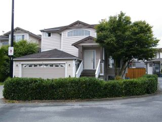 """Photo 2: 43 8675 209 Street in Langley: Walnut Grove House for sale in """"Sycamores"""" : MLS®# R2100072"""