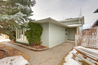 Photo 2: 51 MIDGLEN Road SE in Calgary: Midnapore House for sale : MLS®# C4119988
