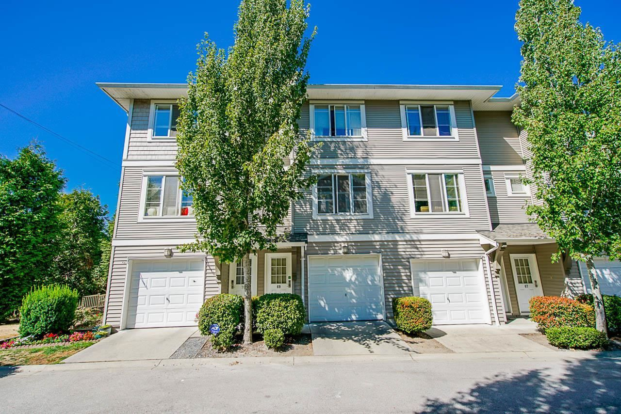 """Main Photo: 69 15155 62 A Avenue in Surrey: Sullivan Station Townhouse for sale in """"Oaklands"""" : MLS®# R2608117"""