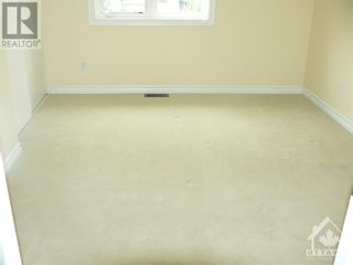 Photo 10: 301 WAYMARK CRESCENT in Ottawa: House for rent : MLS®# 1259127