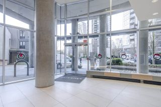 """Photo 19: 806 1438 RICHARDS Street in Vancouver: Yaletown Condo for sale in """"AZURA 1"""" (Vancouver West)  : MLS®# R2541755"""