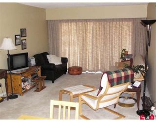 """Photo 2: 202 32885 GEORGE FERGUSON Way in Abbotsford: Central Abbotsford Condo for sale in """"Fairview Manor"""" : MLS®# F2821729"""