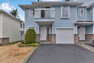 Photo 1: 4 13976 72 Avenue in Surrey: East Newton Townhouse for sale : MLS®# R2602579