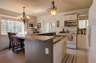 Photo 7:  in : Anglemont House for sale (North Shuswap)  : MLS®# 10239335