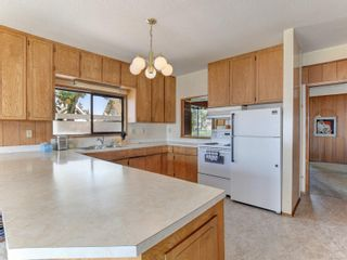 Photo 11: 1915 Crescent Rd in : OB Gonzales House for sale (Oak Bay)  : MLS®# 879707