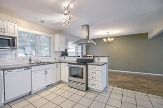 Photo 5: 635 Tavender Road NW in Calgary: Thorncliffe Detached for sale : MLS®# A1117186