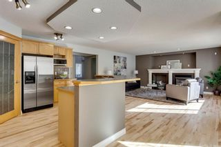 Photo 10: 12469 Crestmont Boulevard SW in Calgary: Crestmont Detached for sale : MLS®# A1109219