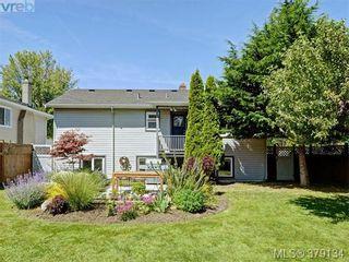 Photo 18: 2547 Scott St in VICTORIA: Vi Oaklands House for sale (Victoria)  : MLS®# 761489