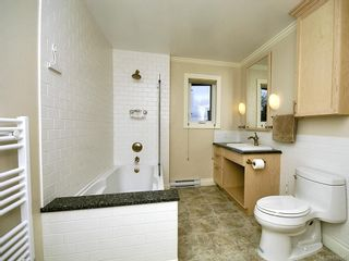 Photo 20: 7029 Wallace Dr in Central Saanich: CS Brentwood Bay House for sale : MLS®# 636075