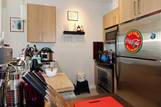 """Photo 3: 405 2943 NELSON Place in Abbotsford: Central Abbotsford Condo for sale in """"Edgebrook"""" : MLS®# R2299096"""