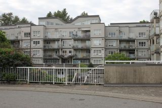 "Photo 14: 404 14377 103 Avenue in Surrey: Whalley Condo for sale in ""CLARIDGE COURT"" (North Surrey)  : MLS®# R2102251"