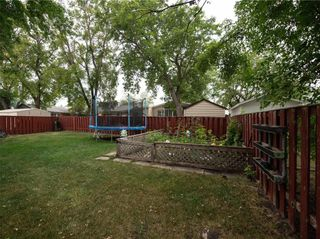 Photo 34: 104 Roselawn Bay in Winnipeg: North Kildonan Residential for sale (3F)  : MLS®# 202119908