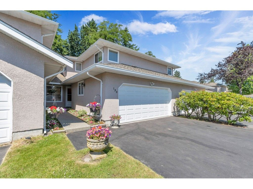 """Main Photo: 139 15501 89A Avenue in Surrey: Fleetwood Tynehead Townhouse for sale in """"AVONDALE"""" : MLS®# R2593120"""