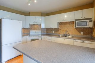 Photo 10: 405 22022 49 AVENUE in Langley: Murrayville Condo for sale : MLS®# R2449984