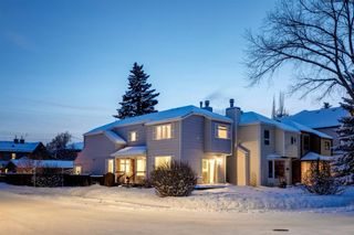 Main Photo: 2801 7 Avenue NW in Calgary: West Hillhurst Detached for sale : MLS®# A1068586