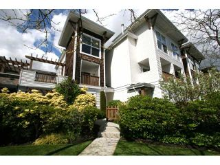 """Photo 1: 7 7100 LYNNWOOD Drive in Richmond: Granville Townhouse for sale in """"LAUREL WOOD"""" : MLS®# V891072"""