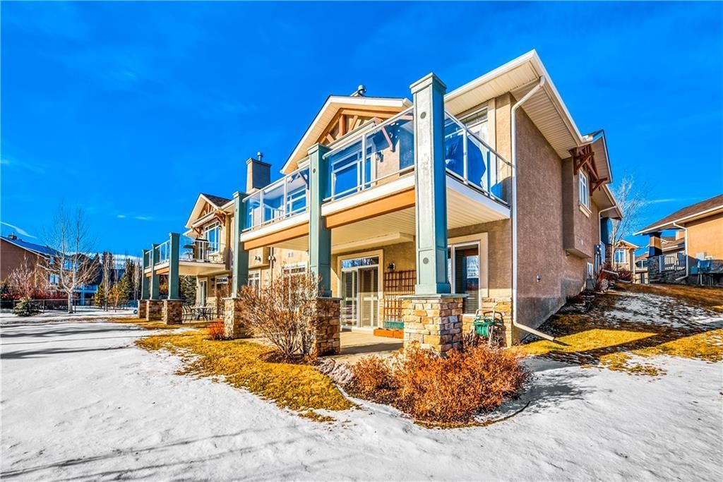 Photo 5: Photos: 73 DISCOVERY WOODS Villa SW in Calgary: Discovery Ridge Semi Detached for sale : MLS®# C4218779