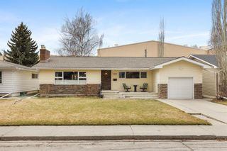 Main Photo: 2919 Park Lane SW in Calgary: Elbow Park Detached for sale : MLS®# A1097428