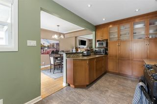"Photo 8: 972 BALBIRNIE Boulevard in Port Moody: Glenayre House for sale in ""Glenayre"" : MLS®# R2504269"