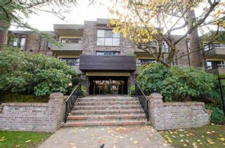 "Photo 1: 105 1266 W 13TH Avenue in Vancouver: Fairview VW Condo for sale in ""Landmark Shaughnessy"" (Vancouver West)  : MLS®# R2221653"