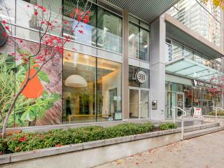 Photo 2: 1502 999 SEYMOUR STREET in Vancouver: Downtown VW Condo for sale (Vancouver West)  : MLS®# R2438685