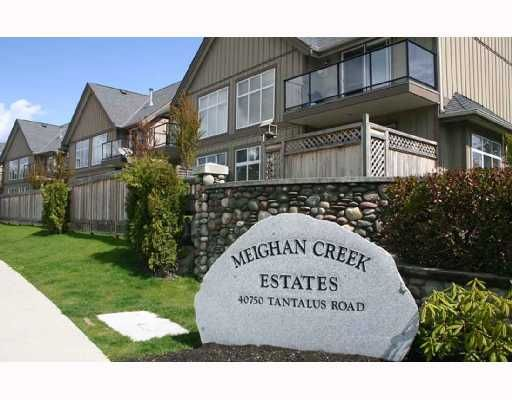 "Main Photo: 33 40750 TANTALUS Road in Squamish: Garibaldi Estates Townhouse for sale in ""MEIGHAN CREEK"" : MLS®# V692110"