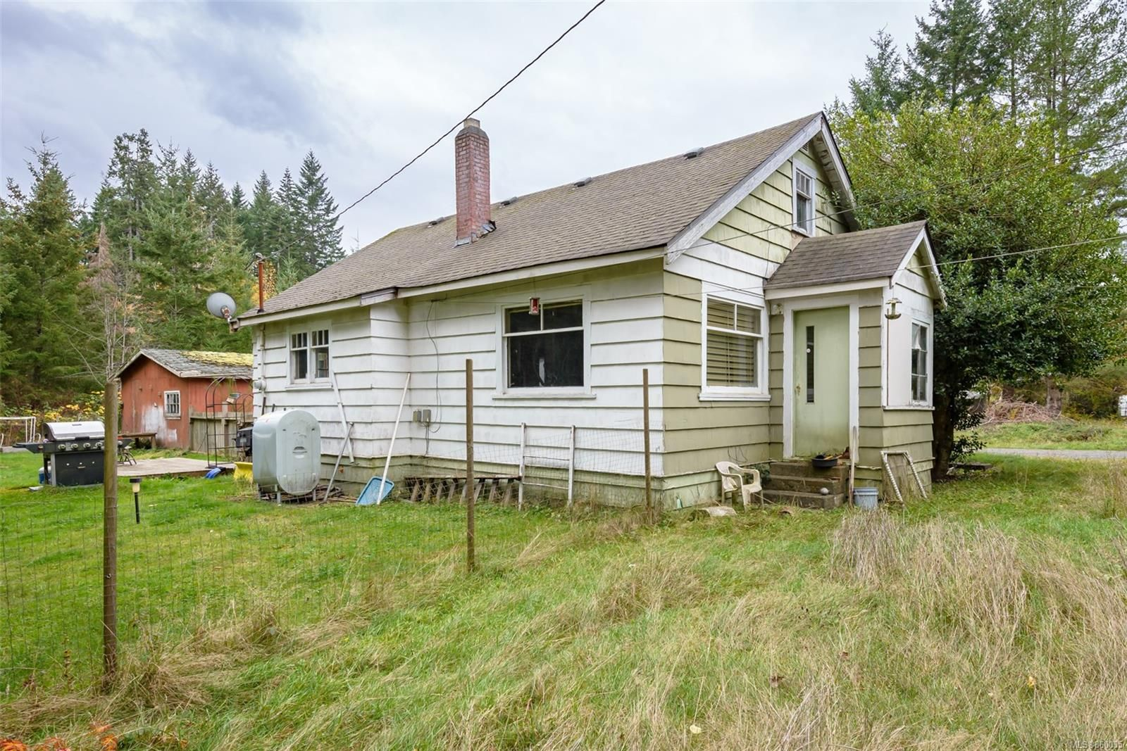Main Photo: 2627 Merville Rd in : CV Merville Black Creek House for sale (Comox Valley)  : MLS®# 860035