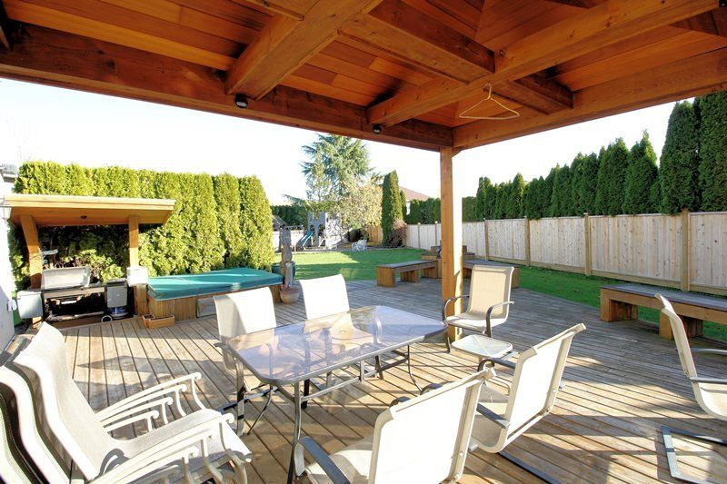 Photo 16: Photos: 22266 47 AVENUE in Langley: Murrayville House for sale : MLS®# R2323768