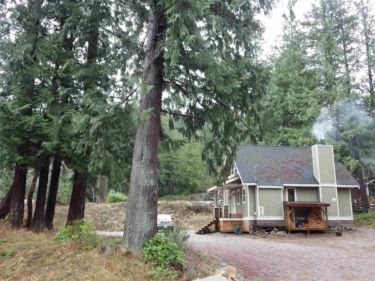 Main Photo: 13514 LEE Road in Pender Harbour: Pender Harbour Egmont House for sale (Sunshine Coast)  : MLS®# R2233100