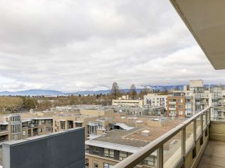 """Photo 8: 720 2799 YEW Street in Vancouver: Kitsilano Condo for sale in """"TAPESTRY AT THE O'KEEFE"""" (Vancouver West)  : MLS®# R2605737"""