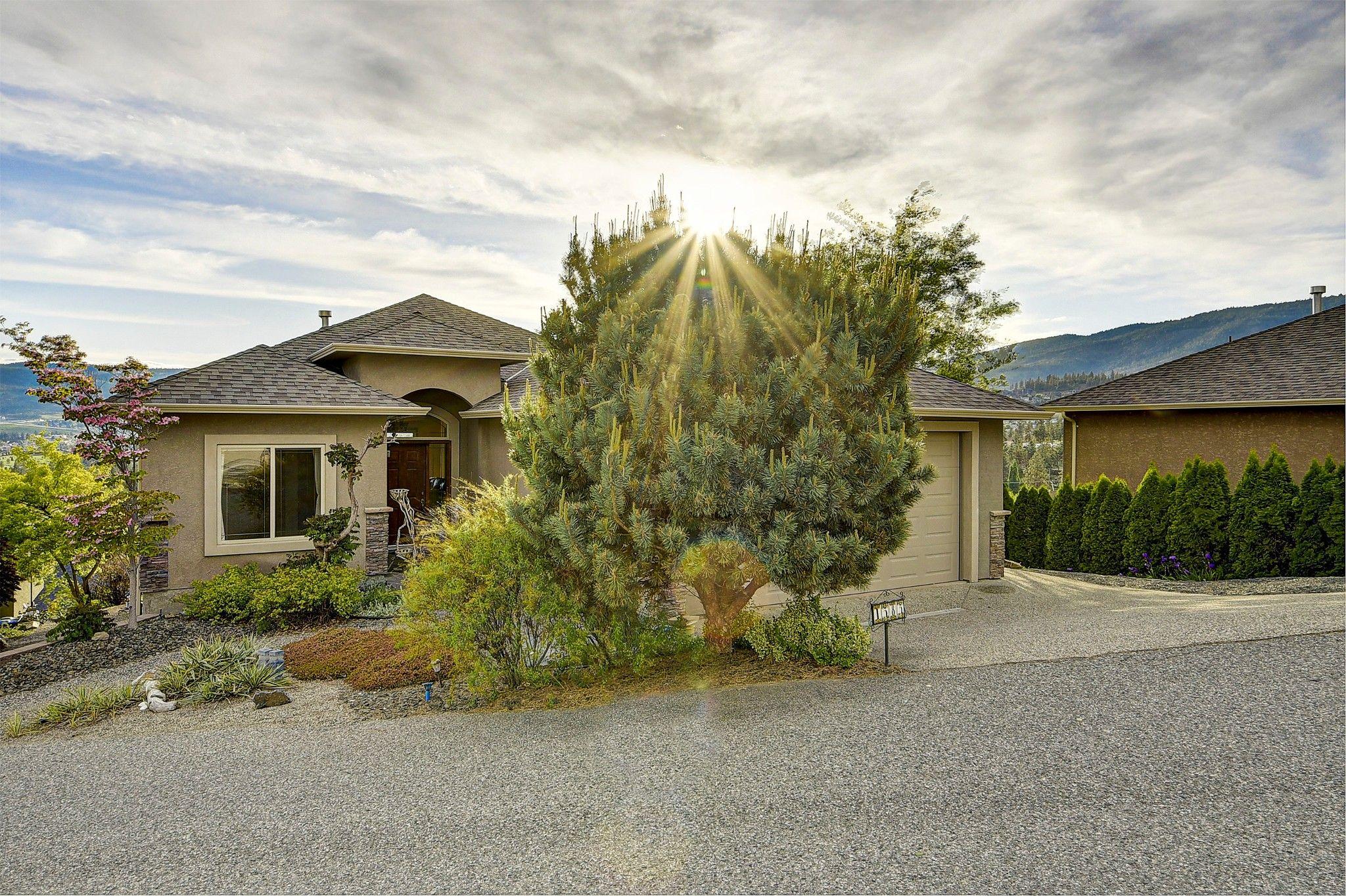 Main Photo: 1585 Merlot Drive, in West Kelowna: House for sale : MLS®# 10209520