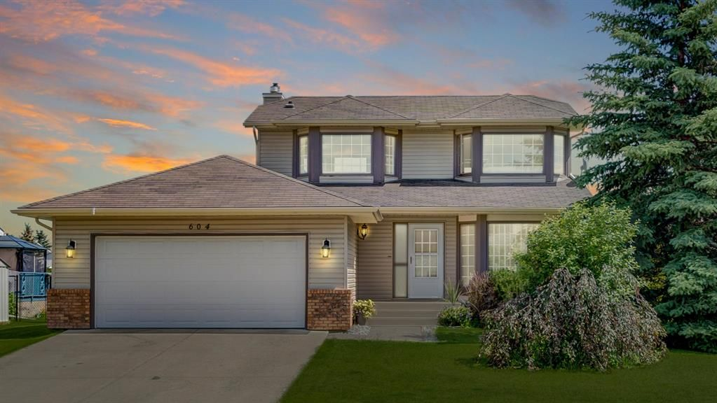 Main Photo: 604 High View Gate NW: High River Detached for sale : MLS®# A1071026