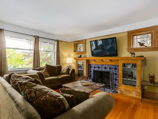 """Photo 2: 3240 W 21ST Avenue in Vancouver: Dunbar House for sale in """"Dunbar"""" (Vancouver West)  : MLS®# R2000254"""