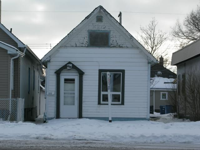 Main Photo: 1018 Burrows Avenue in WINNIPEG: North End Residential for sale (North West Winnipeg)  : MLS®# 1206815