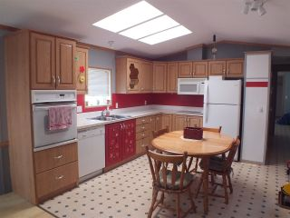 Photo 5: 8 22885 TRANS CANADA Highway in Hope: Hope Center Manufactured Home for sale : MLS®# R2482859