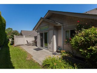 """Photo 15: 117 9012 WALNUT GROVE Drive in Langley: Walnut Grove Townhouse for sale in """"Queen Anne Green"""" : MLS®# R2184552"""