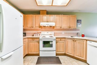 """Photo 5: 47 7875 122 Street in Surrey: West Newton Townhouse for sale in """"The Georgian"""" : MLS®# R2234862"""