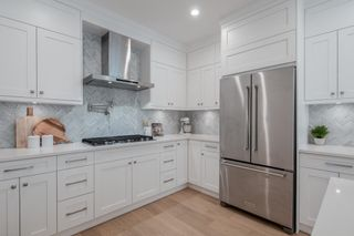 Photo 9: 116 W WINDSOR Road in North Vancouver: Upper Lonsdale House for sale : MLS®# R2609278