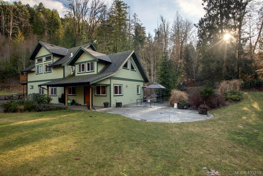 Main Photo: 1347 Shawnigan Lake Rd in SHAWNIGAN LAKE: ML Shawnigan House for sale (Malahat & Area)  : MLS®# 805247