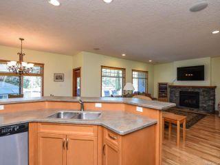 Photo 12: 2441 Tutor Dr in COMOX: CV Comox (Town of) House for sale (Comox Valley)  : MLS®# 845329
